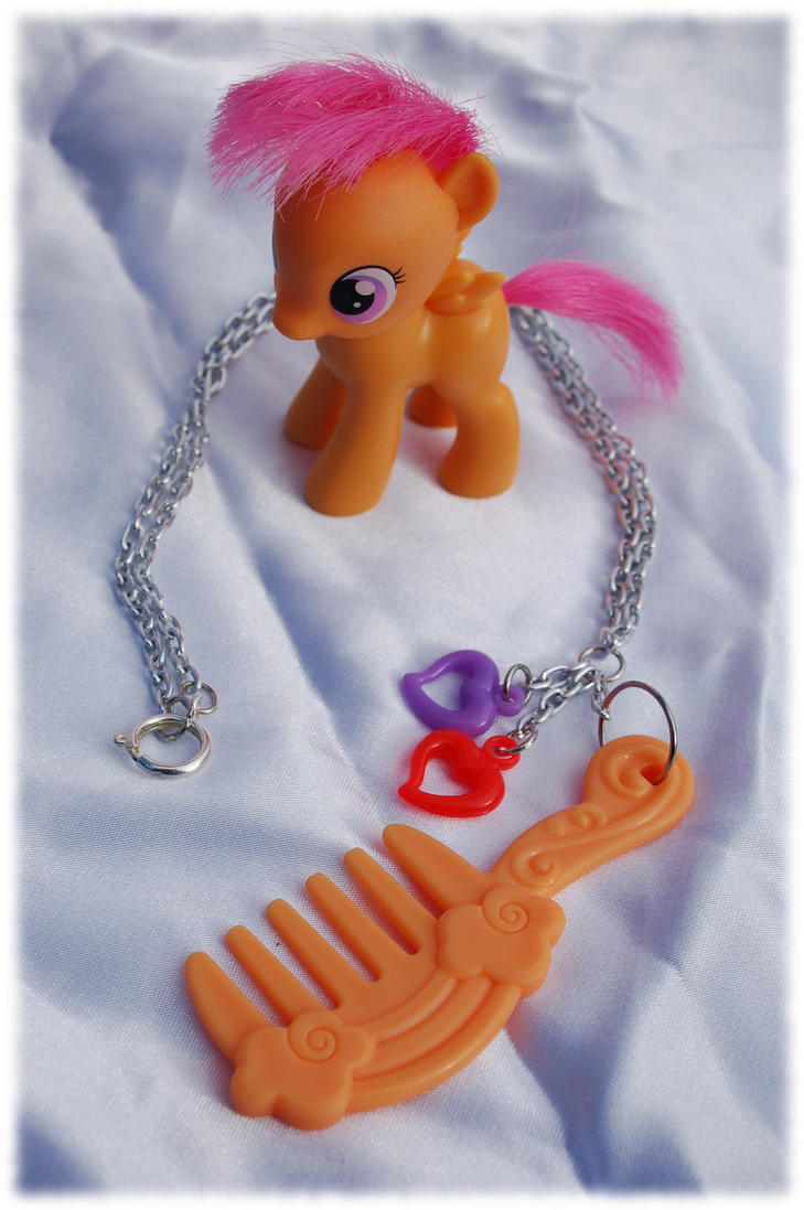 MLP hairbrush necklace by Coall
