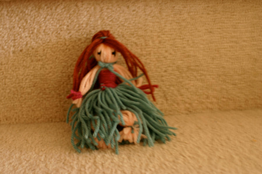 yarn doll Hawaiian girl | Paper Crafts | Pinterest