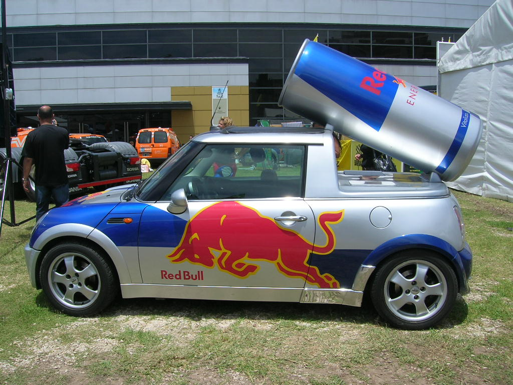 mini_cooper_red_bull_by_kassad86.jpg