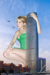 She supposed to be building size by zboczony