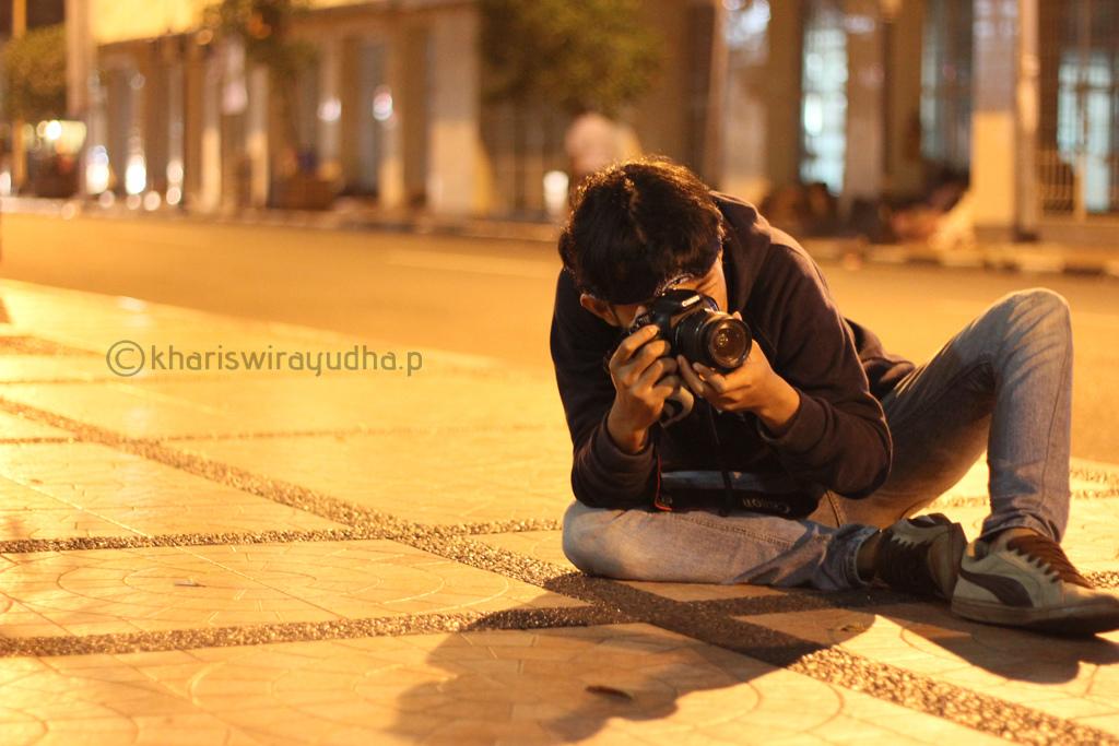 Capturing Photos by yudhabastard