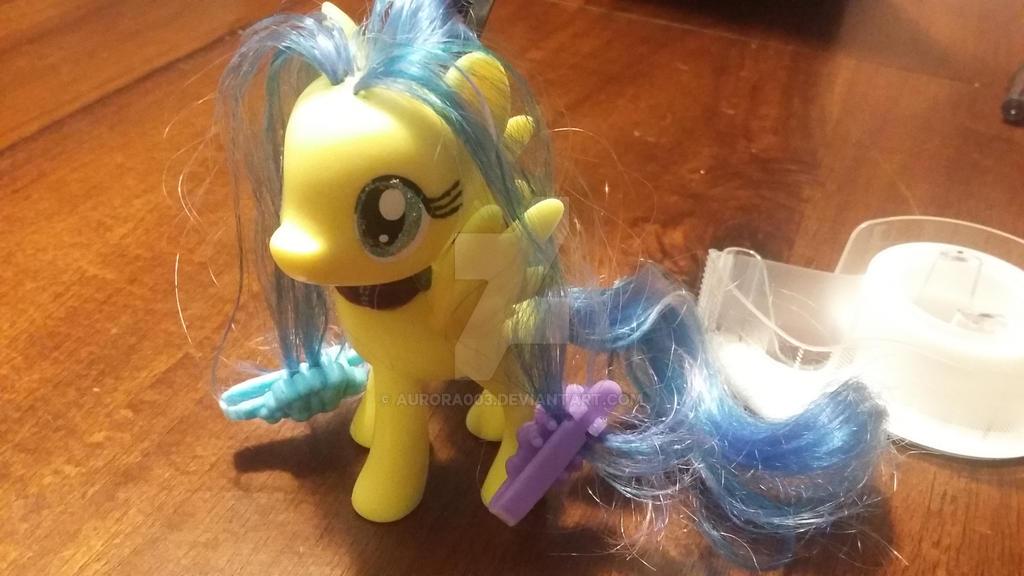 help I'm a toy by aurora003