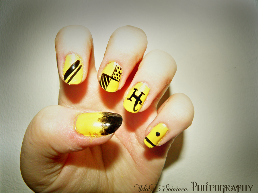 hufflepuff nails by IdaBlack