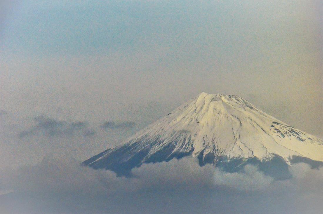 mount Fuji from Shinkansen by TFuruhashii