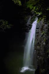 Night waterfall by Furuhashi335