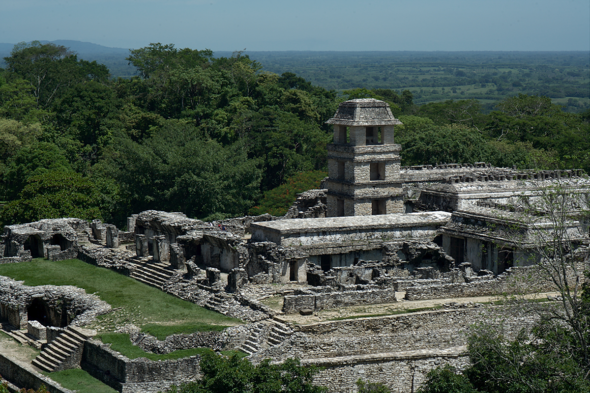 Mayan ruins of Palenque by ponchomorales