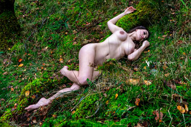 With Her in the Grass v.1 by Von Trapp Photo 2019. by VTphoto