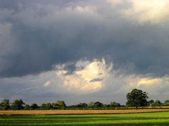 Threatening Skies by saecula