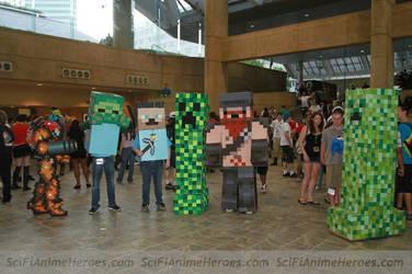 Samus Cosplay Vs. Minecraft