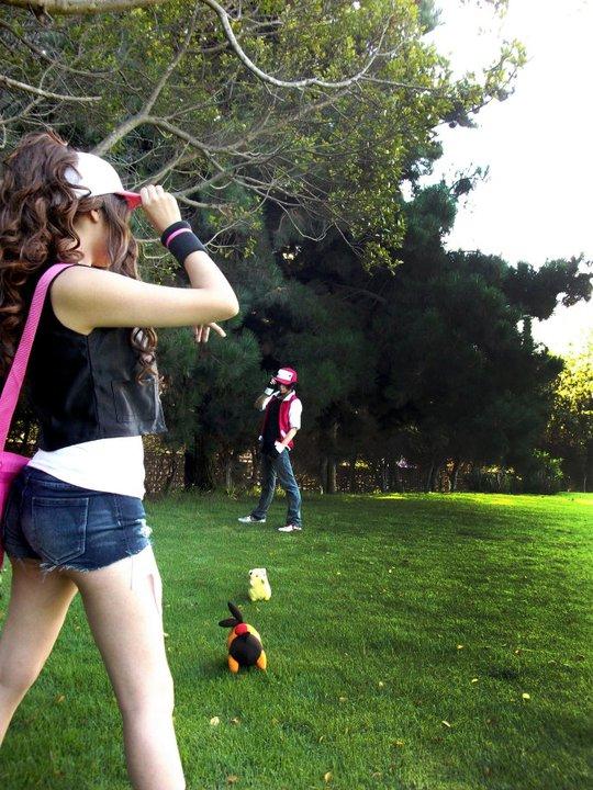 Pokemon White vs Pokemon Red by Zettai-Cosplay