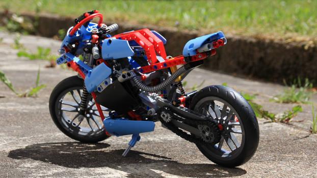 LEGO 42036.1 Rear
