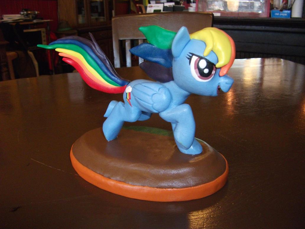 Rainbow Dash on the Ground by NToonz
