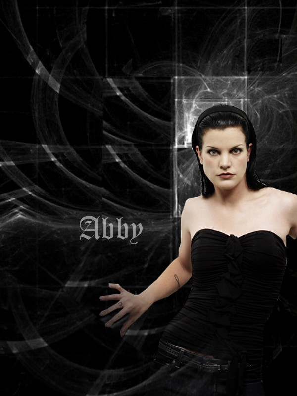 "Pauley Perrette (Abigail ""Abby"" Sciutová)"