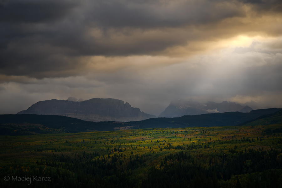 IMG:http://orig03.deviantart.net/7c3b/f/2016/037/b/3/misty_mountains_cold_by_maciejkarcz-d9qrb40.jpg