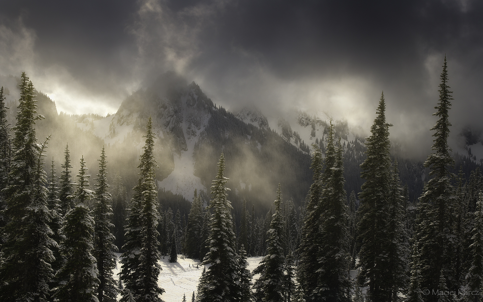 Mazama Ridge 2 by MaciejKarcz