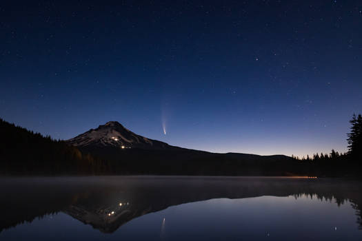 Comet Neowise rising over Mt Hood