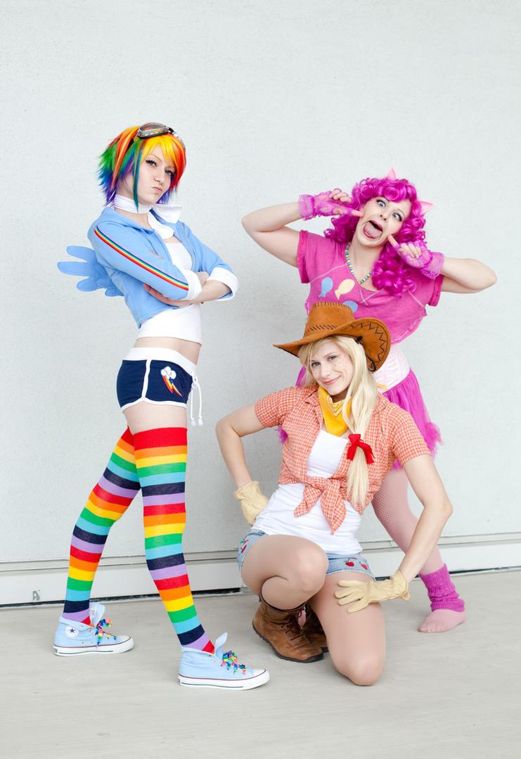 We Three Ponies of Anaheim Are by thebooradlus