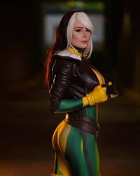Rogue X-Men by Jenna Lynn Meowri @ San Diego Comic by Brokephi316