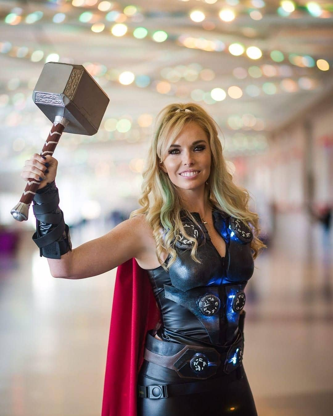 Free Comic Book Day Etiquette: Lady Thor Cosplay Free Comic Book Day 2019 By Brokephi316