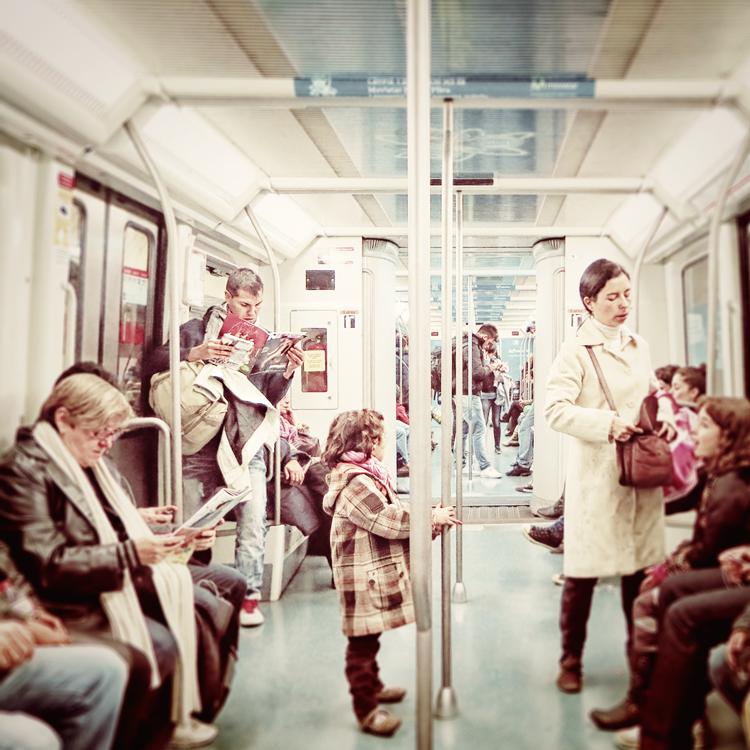 La chica del metro by ensilencio