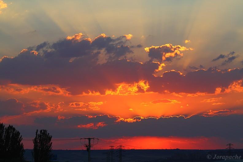 Red and orange sunset by Jorapache