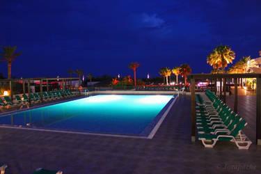Nights near the pool by Jorapache