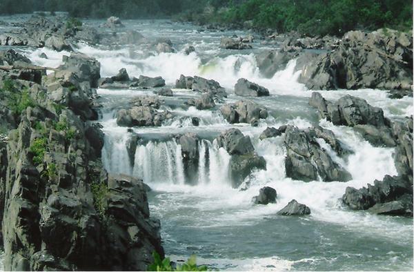 cachoeiras rochosas