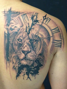 Lion and clock