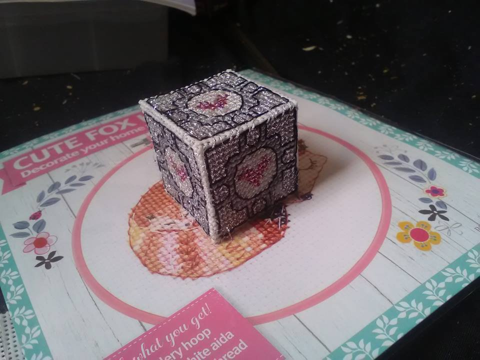 3D Cross Stitch - Portal Companion Cube by guineapiggin