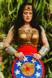 wonder woman injustice cosplay by hipolyta25