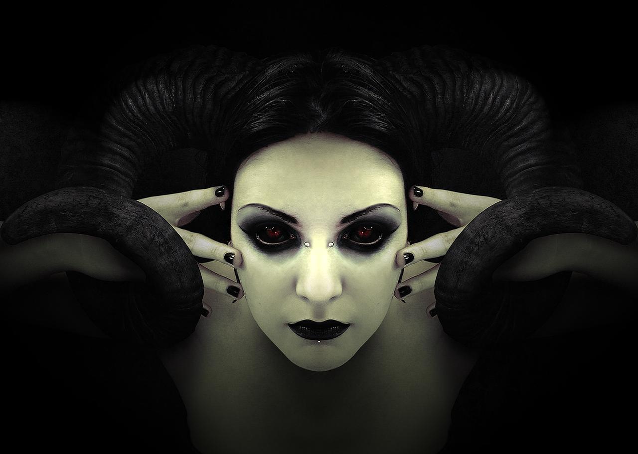 Bapho Mistress by Sapphire-Sinestra