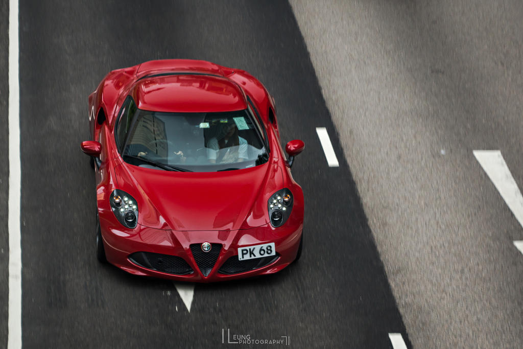 Completely, a work of art ----- Alfa Romeo 4C by IssacLPH