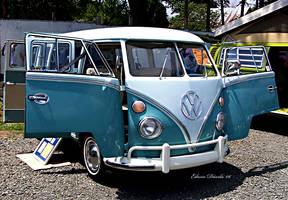 Volkswagen Bus by E-Davila-Photography