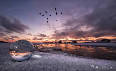 Inverse sunrise by WinPics