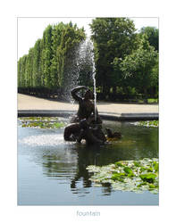 fountain by poppyflower