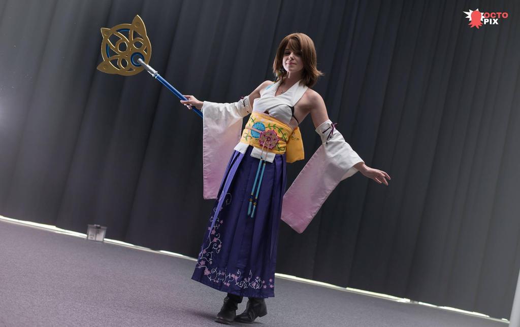 Yuna summoner by Kadirine
