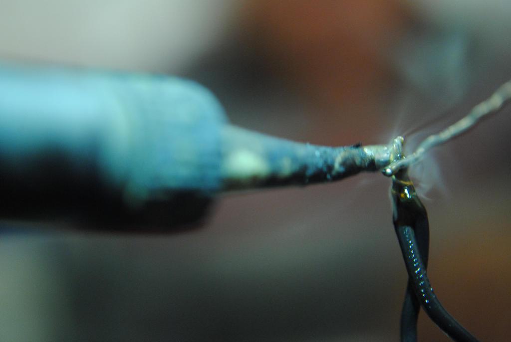 Cautin, soldando cables by jProgr