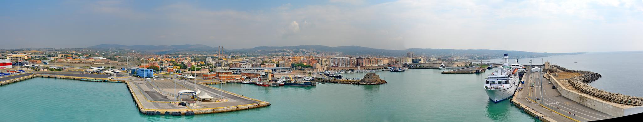 Civitavecchia Panorama by Travelie