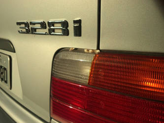 BMW 328i at sundown by ShapeDestro