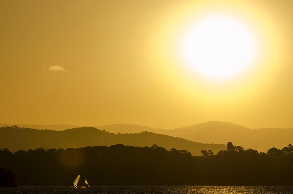 Windriders on Lake Burley Griffin by DOOMGUY1001