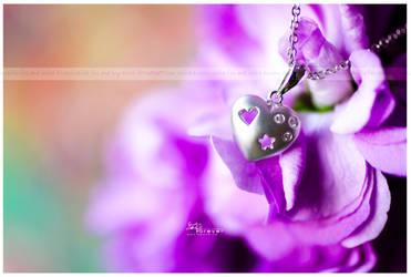 .tiny hearts beat fast. by Kay-Noire