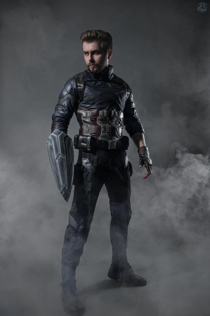 Captain America cosplay by GraysonFin
