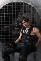 Sexy Leon Kennedy by GraysonFin