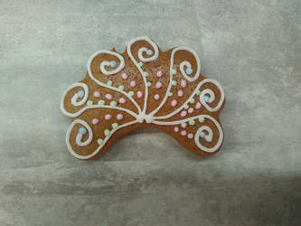 Gingerbread fan by LadyMalande