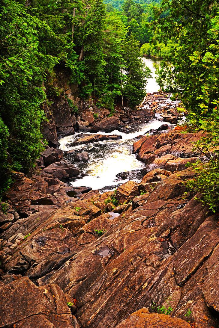in between rocks by azimos