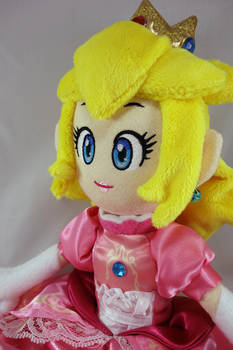 Princess Peach Doll by dollphinwing