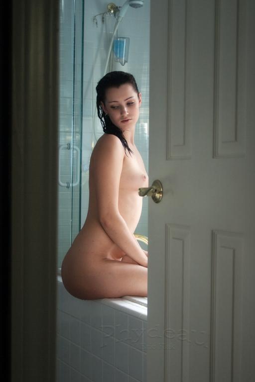 Cassandra Bath 02 by phydeau