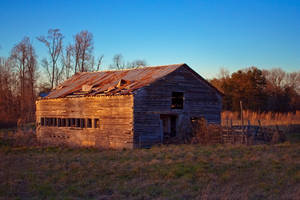 Old Barn at Sunset by phydeau