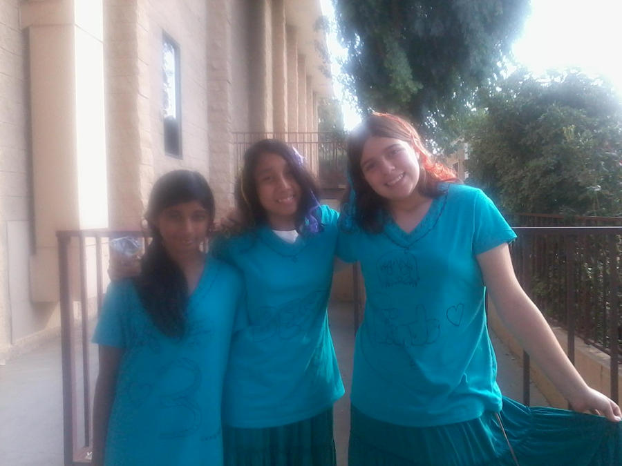 Twin Day at school :P by asha456512