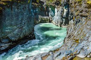 Between the cliffs by dashakern